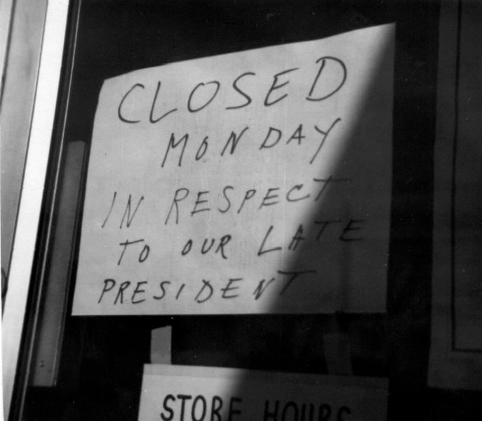 Sign About President